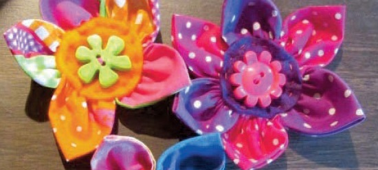 <B>Jo McIntosh : Fabric Flower Brooches</B>