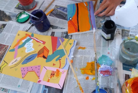 <B><I> Paint A Mini Abstract Canvas</I></B>