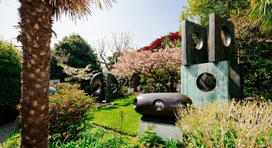 <B>'Inspired by Hepworth': Bob Devereux, Cees Hiep & Jane Lofthouse</B>