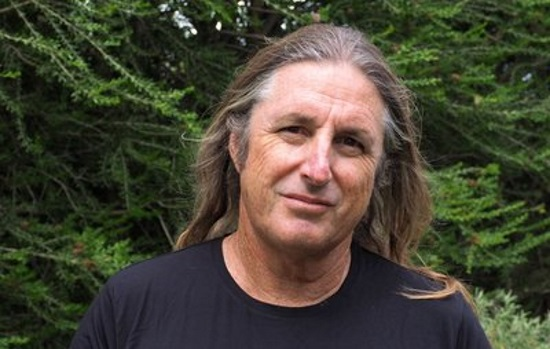 <B>Tim Winton</B>