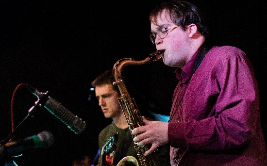 <B>Tom Ridout : 'No Excuses Band'</B>