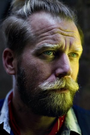<B>Tony Law - Identifies</B>