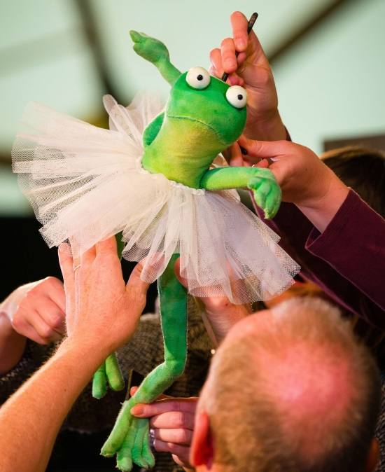 <B><I> Dancing Frog By Kneehigh</I></B>